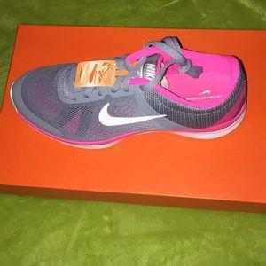 Nike in-season Tr5! New in box! Size 7.5!!